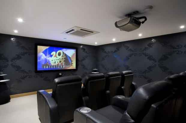 2.Cinema Room